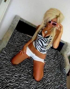 Sunny from  is looking for adult webcam chat
