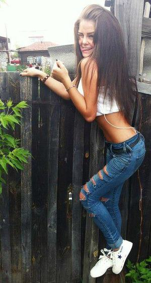 Kenda from Lakeside, Connecticut is looking for adult webcam chat