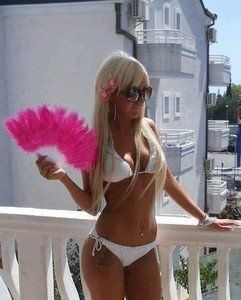 Versie from Rhode Island is looking for adult webcam chat